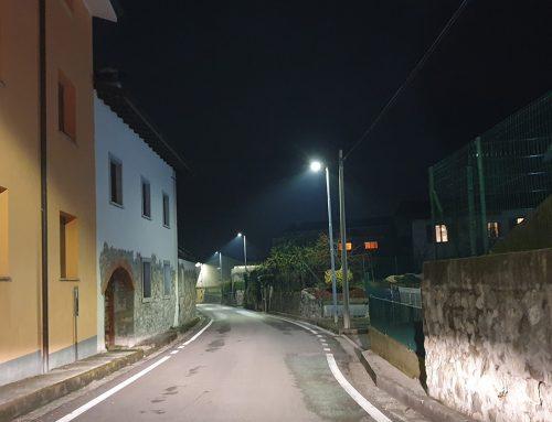 Tarcento: Via le vecchie lampade sostituite da luci a led